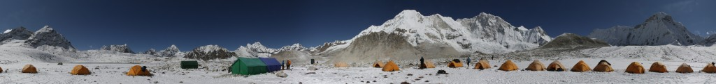 The panorama of the Baruntse basecamp