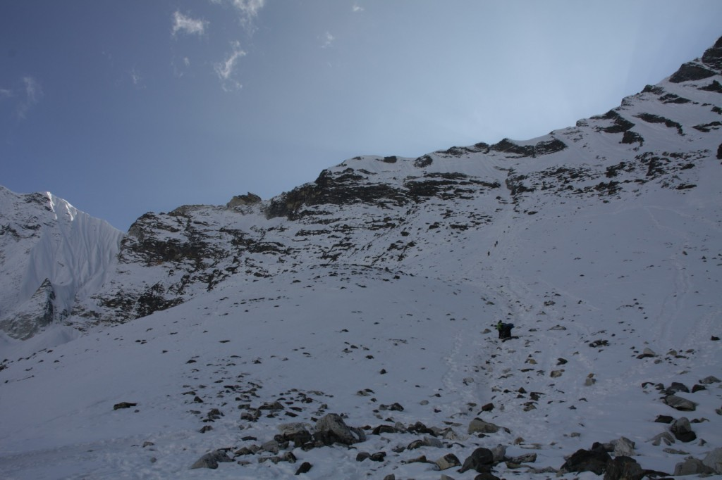 Looking up to the Amphulapcha pass from the north side