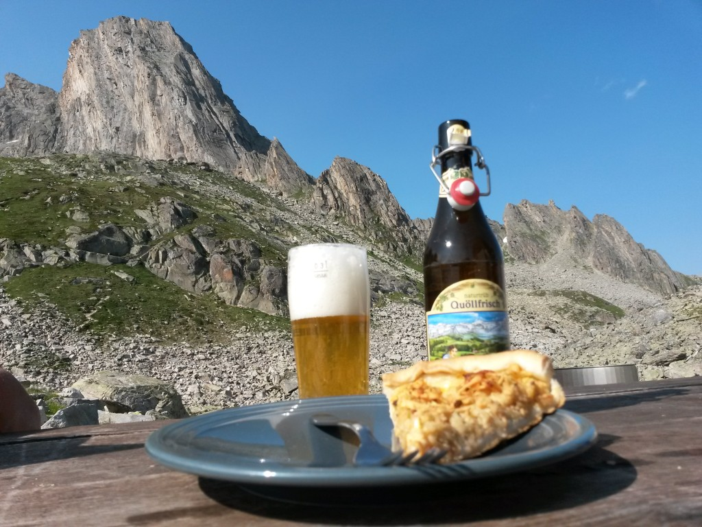 Beer, apple pie and both of our routes visible - Besgseeschijen on the left and Hochschijen on the right