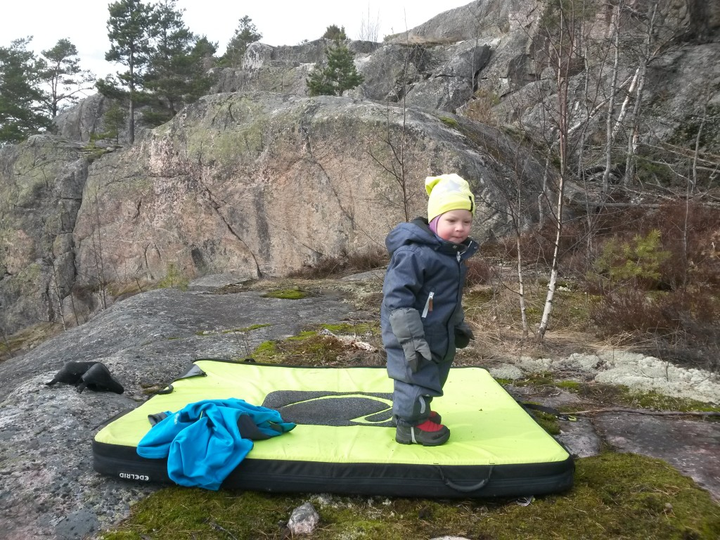 One of the early spring (family) bouldering trips to Vuohimäki in April